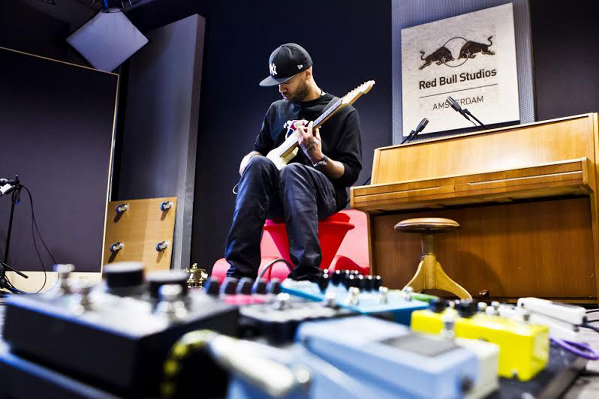 Mr. Probz recording track at Red Bull Studios Amsterdam, on February 28th 2014