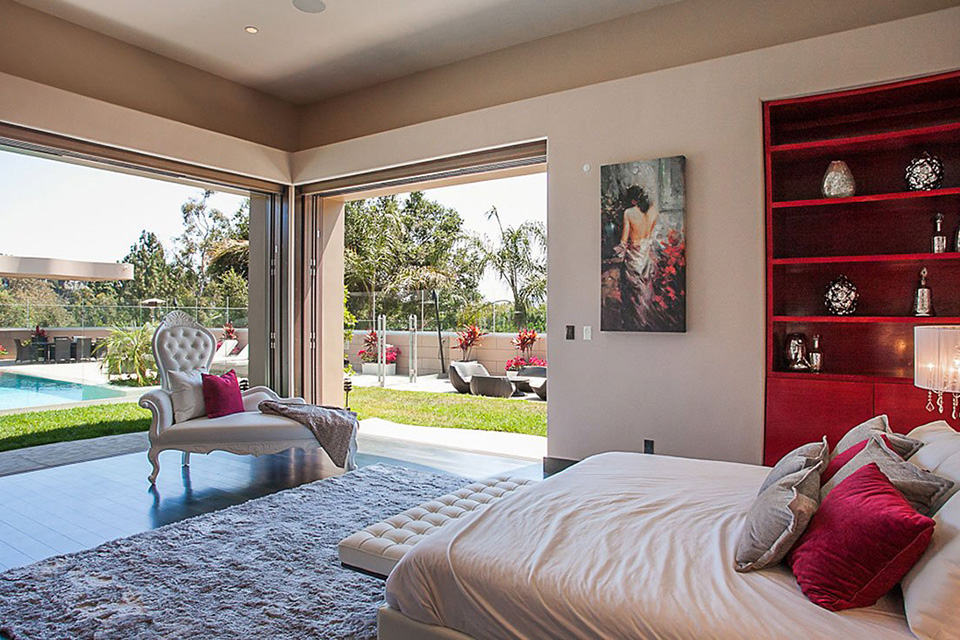 rihanna-house-pacific-palisades-sale-001