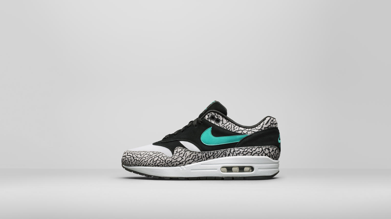 airmax_1_923093-001_a1_lateral_hd_1600